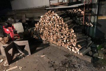 【焚き火シーズン到来】焚き火の薪はどうしてる?買う?切る?薪割りする?